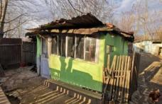 Povestea cutremurătoare a doi copii abandonaţi, care trăiesc cu străbunicii într-o baracă la marginea Dorohoiului - FOTO