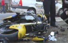 Tânăr cercetat pentru că a condus beat și fără permis un moped neînmatriculat, iar apoi a făcut accident
