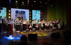 """Momente de neuitat cu Fetele din Botoșani și """"Lăutarii"""" din Chișinău în spectacolul """"Hai la Botoșani"""", ediția a III-a - FOTO"""