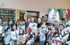 """Expoziția """"Suflet, Dor și Vise cu păpuși"""" la Biblioteca Municipală Dorohoi - FOTO"""