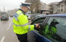 """Șoferițe """"amendate"""" cu flori de polițiștii botoșăneni – FOTO"""