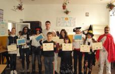 """Carnaval de Hallowen la Şcoala cu clasele I-VIII """"Dimitrie Pompeiu"""" Broscăuţi"""