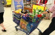 """Comercianții îi îndeamnă pe clienți să fie cumpătaţi şi chibzuiţi: """"Există cantităţi şi stocuri pentru toţi"""""""