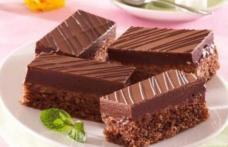 Prăjitură cu rom și ciocolată