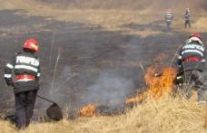 Incendiu de vegetație uscată în Dersca și Santa Mare. A ars vegetația uscata de pe circa 35 hectare