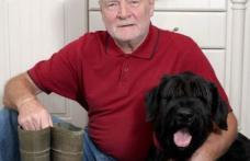 Erou: un câine şi-a salvat stăpânul lovit de fulger