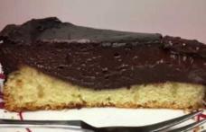 Pască cu ciocolată și aluat de pandișpan