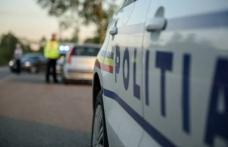 Trei infracțiuni dintr-un foc. A condus cu viteză, fără permis și a prezentat documente false