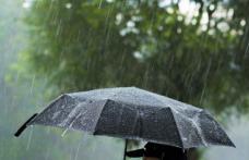 Alertă meteo: Nu vom scăpa de ploi până pe 4 mai!