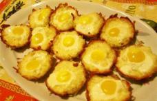 Cuiburi din cartofi cu ouă de prepeliță