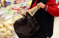Femeie de 40 de ani prinsă la furat într-un supermarket din Botoșani