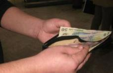 Dorohoian cu spirit civic! A găsit un portofel plini cu bani și l-a dus poliției