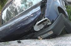 Accident la Suharău! Un bărbat a furat mașina băiatului său și s-a izbit cu ea într-un cap de pod
