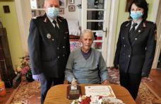 Unul din cei mai longevivi pompieri din Botoșani, sărbătorit la 90 de ani - FOTO