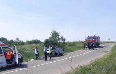 Accident la Șendriceni! Un șofer beat s-a răsturnat cu mașina într-un șanț - FOTO