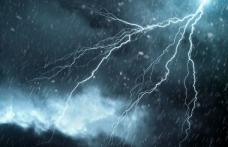 ATENȚIE! Cod roșu de furtună în județul Botoșani. Cetățenii avertizați prin mesaje RO-ALERT!
