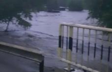 Inundații în județul Botoșani! Pompierii intervin de urgență. Drumul dintre Dorohoi și Rădăuți-Prut a fost inundat - VIDEO