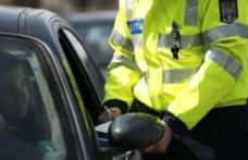 Oprit de poliție din cauza vitezei, au descoperit că șofa fără permis