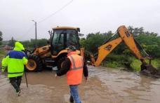 Locuitorii din municipiul Botoșani se luptă cu inundațiile, în timp ce primarul Flutur a fugit în concediu! În pandemie nu a scos capul la vedere, acu