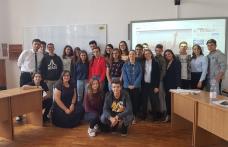 """Clubul de dezbatere academică de la Colegiul Național """"Grigore Ghica"""" Dorohoi schimbă destine - FOTO"""