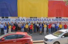 UNIȚI SUB TRICOLOR - Sediul Partidului Social Democrat îmbrăcat în drapelul național - FOTO