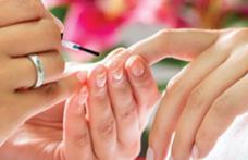 Care este cel mai potrivit dizolvant de unghii