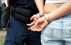 Femeie din Botoșani reținută după ce a lovit un polițist