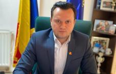 """Cătălin Silegeanu """"Ce veți vota asta veți avea… Indiferent că acceptați Pomeni Electorale - 1 litru de ulei sau zahăr"""""""
