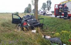 Femeie din Botoșani decedată după ce mașina în care se afla s-a izbit de un copac