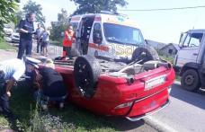 Accident! Mașină răsturnată pe cupolă la ieșirea din Dorohoi! O persoană a fost rănită - FOTO