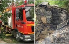Neatenția costă. A vrut să își curățe grădina dar și-a incendiat adăpostul de animale - FOTO