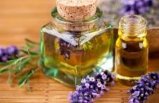 Uleiul de lavandă, un elixir pentru trup şi suflet. De ce este bine să-l ai în casă