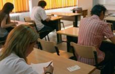 După elevi și profesorii intră în examen