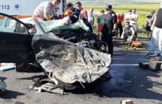 Accident violent în apropiere de Iași! O femeie a murit și trei persoane rănite după un impact frontal - FOTO