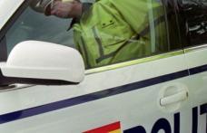 """Un șofer cu """"alcool la bord"""" și altul cu permisul suspendat, depistați și """"taxați"""" de polițiști"""