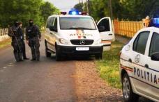 Topoare, bâte și un pistol cu muniție, confiscate în urma unor percheziții pe raza comunei Corlăteni