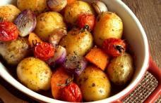 Cartofi noi cu legume