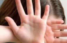Tentativă de viol într-un sat din Botoșani. Victima, o tânără de 23 de ani, a reușit să se salveze