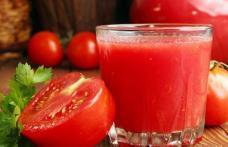 De ce este sănătos să bei suc de roşii