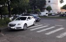 Acțiune a polițiștilor rutieri! Vizați cei care opresc mașinile pe trecerile pentru pietoni din Botoșani - FOTO