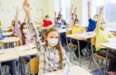 Părinții răsuflă ușurați! Copiii nu vor mai avea nevoie de declarație pe propria răspundere în noul an școlar