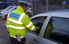 Un taximetrist cu o alcoolemie uriașă s-a izbit cu mașina într-un stâlp