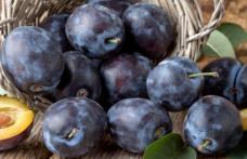 Prunele au proprietăți diuretice și previn cancerul de colon
