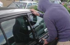 Tânăr acuzat că a furat bunuri dintr-o mașină parcată