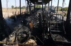 Momente cumplite pentru un șofer din Brăești după ce autobuzul pe care îl conducea a luat foc în timpul mersului