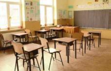 Trei zile libere pentru elevi şi profesori pentru alegerile locale din 27 septembrie. Când nu se ţin cursuri