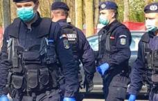 Jandarmii verifică dacă botoșănenii poartă masca de protecție în jurul unităților de învățământ