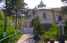 """Biserica """"Sfânta Cuvioasă Parascheva"""" din Dorohoi își sărbătorește hramul. Vezi programul slujbei!"""