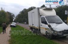 Accident la Brăești! Două mașini s-au ciocnit chiar în fața postului de poliție - FOTO