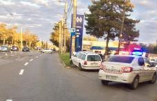 Accident: Din cauza neatenției a ajuns cu mașina într-un stâlp